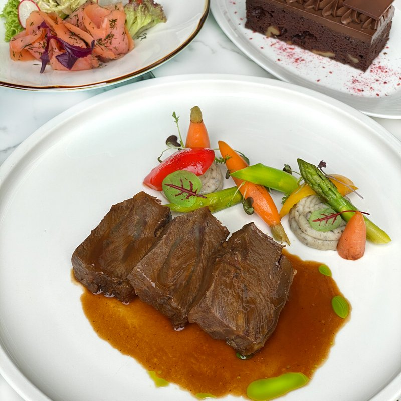 Western Deluxe Lunch 3-Course Set Menu