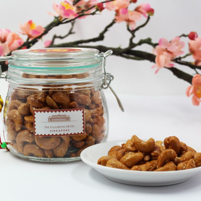 Honey Cashew Nuts with Sesame Seeds