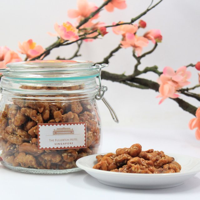 Honey Walnuts with Sesame Seeds